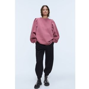 Zara sweatshirt with wide sleeves